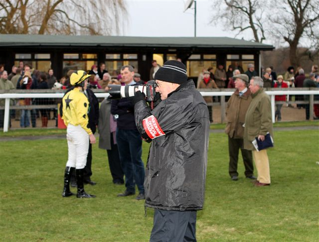 Roger Harris official photogrpaher Fakenham Races